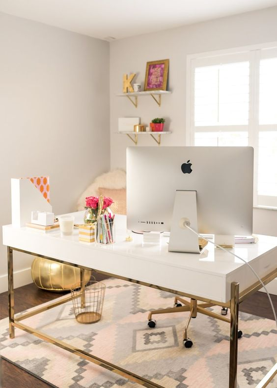 Minimal Inspiring office space with white desk