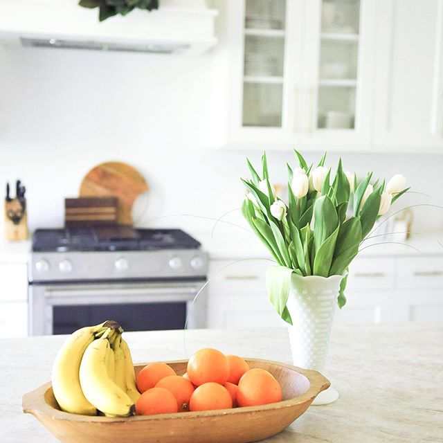 Fruit bowl kitchen styling