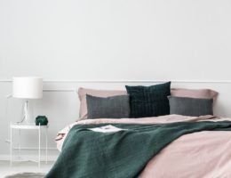 How to style a bed interior designer