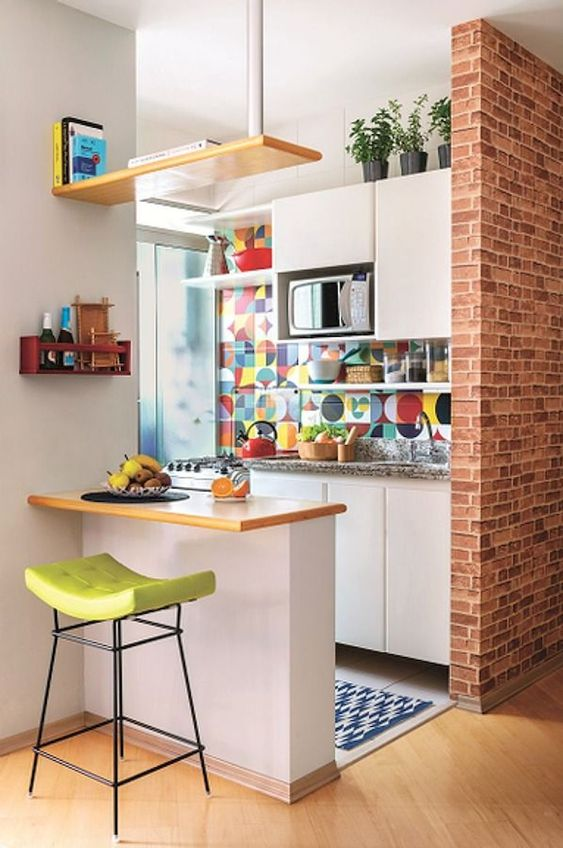 pops of colour in the kitchen